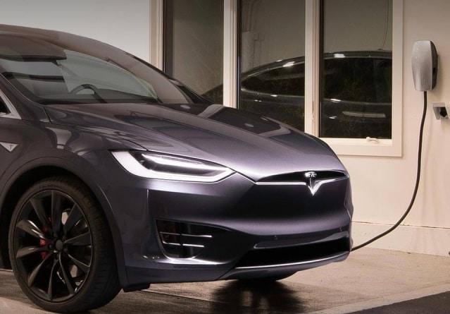 Instalador de puntos de carga para vehículos eléctricos Tesla Alicante