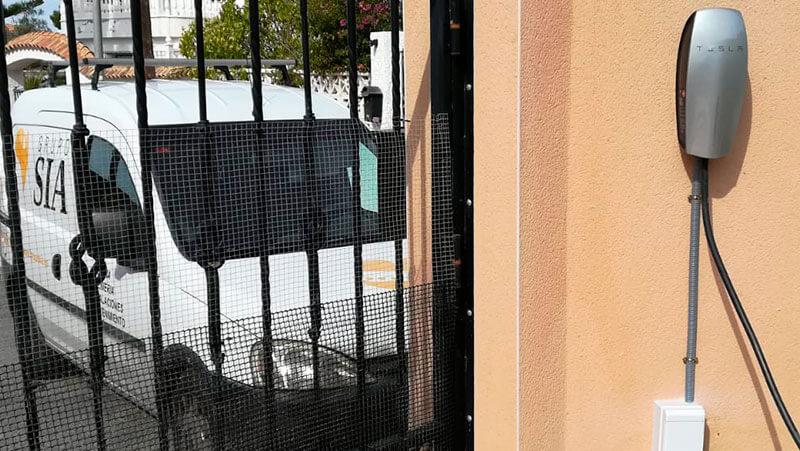 Instalación conector de carga para vehículo eléctrico en Rojales
